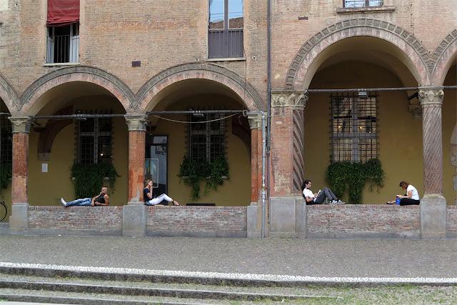 Porticoes, Piazza Santo Stefano, Bologna