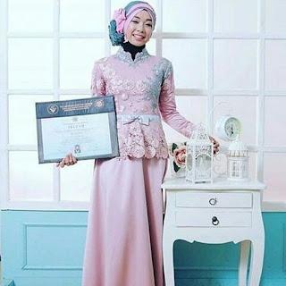 model kebaya untuk wisuda memakai jilbab