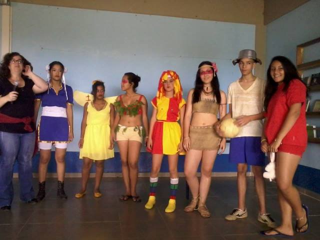 Gincana Cultural mobiliza alunos da escola Irene Machado de Lima