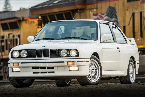 BMW M3 E30 (1988)