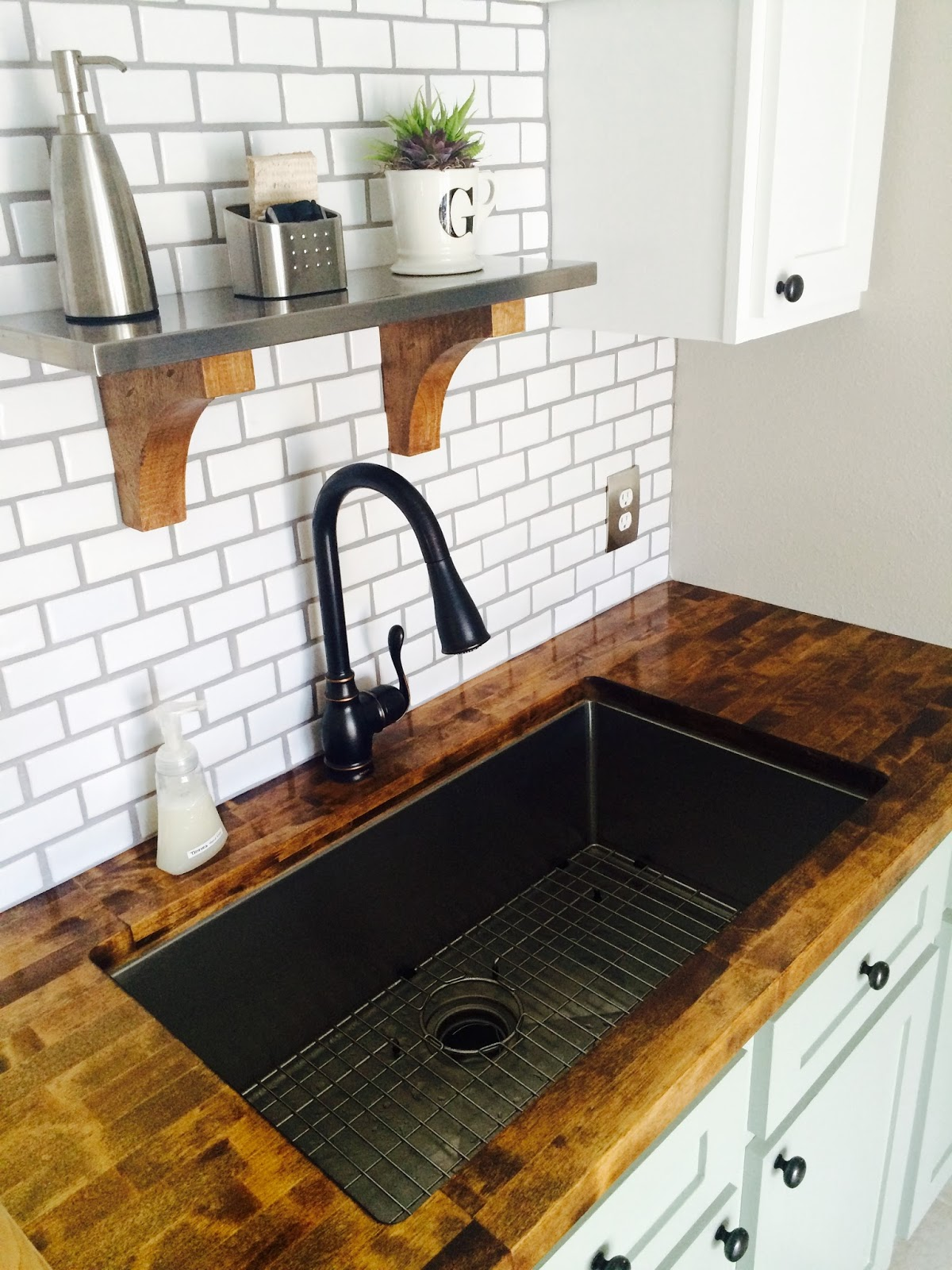 Sealing Kitchen Sink In Countertop Using Silicone Gasket