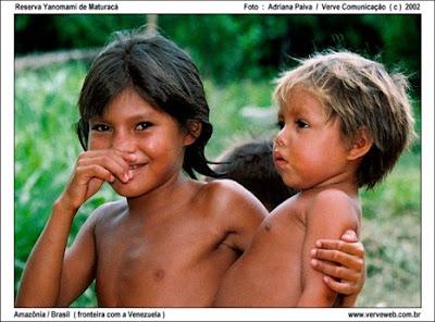 Índios Yanomami - Aldeia de Maturacá - Amazônia - fronteira com a Venezuela - Foto por Adriana Paiva / Verve Comunicação