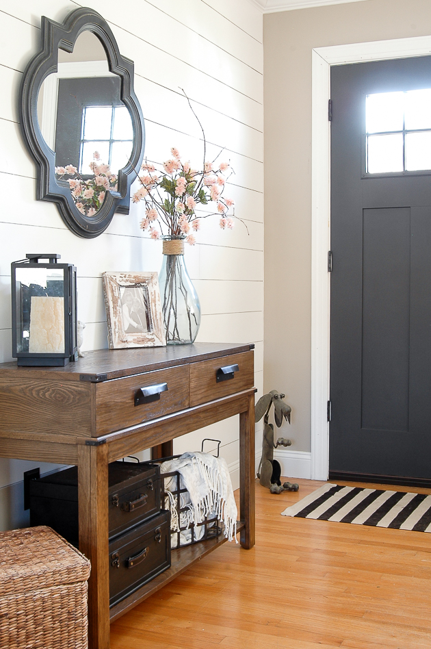 Spring entryway, the best lightweight throws for spring