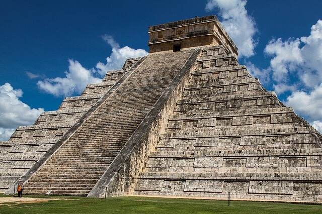 Facts Of World: End Of Mayan Civilization (Unsolved Mystery)