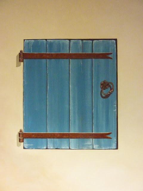 vieux bois, volets bleus