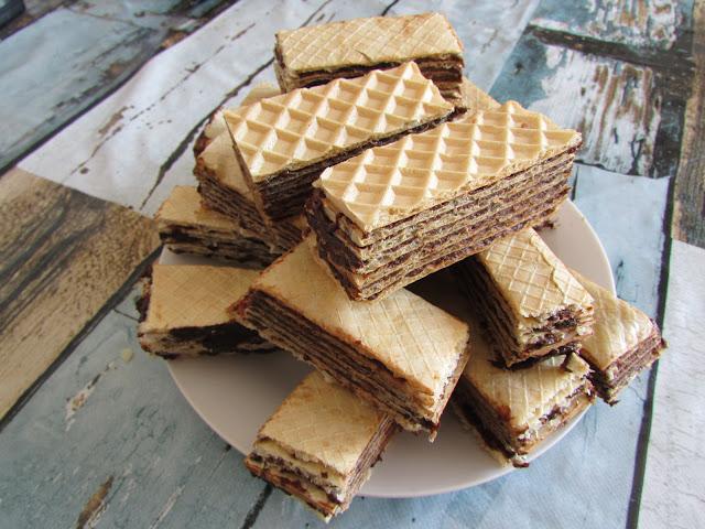 Andrut z czekoladą i śliwkami