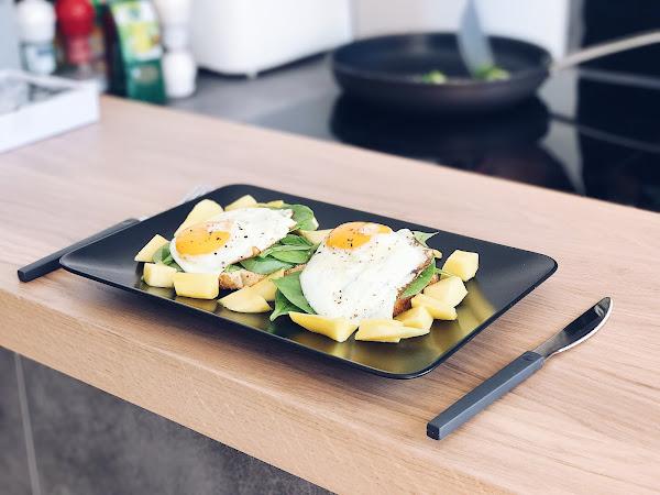 Zajtrk: jajca, špinača & mango