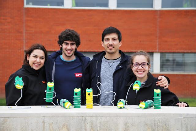 Crianças marroquinas recebem lanternas feitas por estudantes da UA