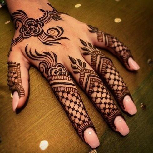 Latest Bridal Mehndi On Hand