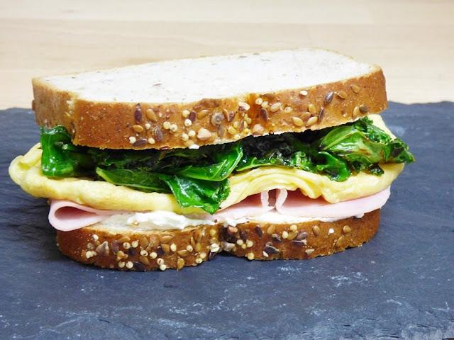 sandwich-tortilla-jamon-kale