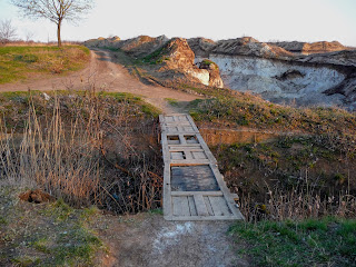 Піщані і глиняні кар'єри на лівому березі річки Сінної