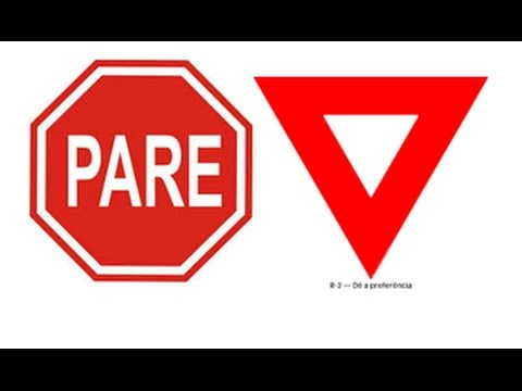 Placas bem comuns em cruzamentos
