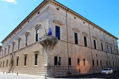 bugnato-Ferrara-palazzo dei Diamanti
