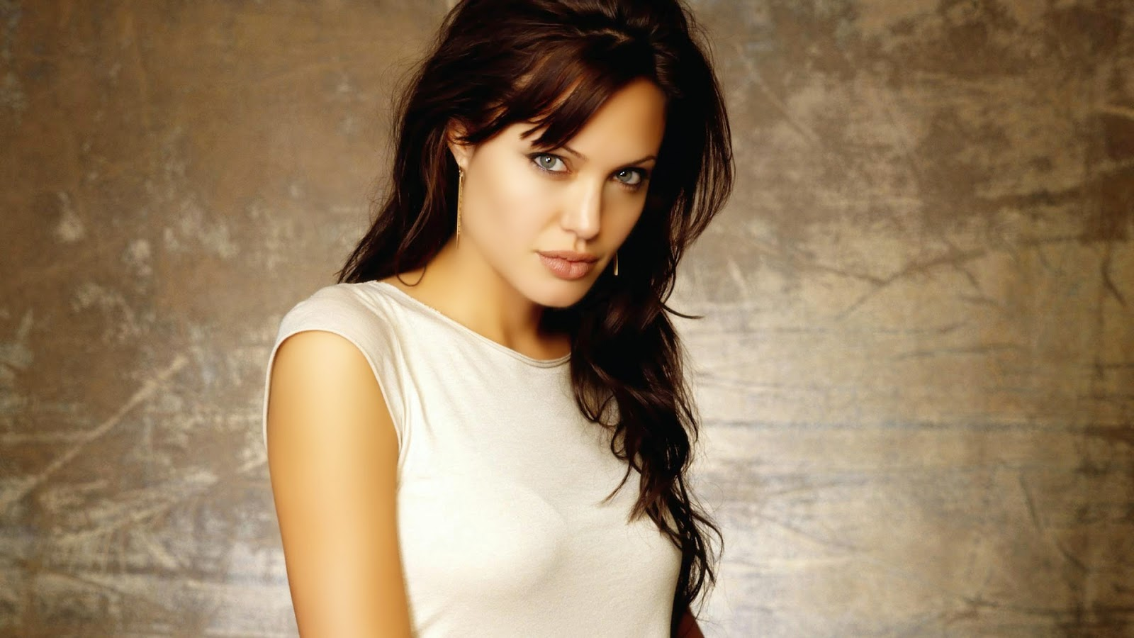 Images of Angelina Jolie Wallpaper