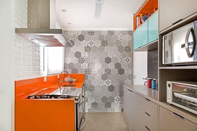 cozinha-cinza-com-laranja