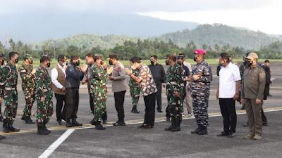 Tiba di Sulut, Panglima TNI Marsekal Hadi Tjahjanto Disambut Gubernur Olly