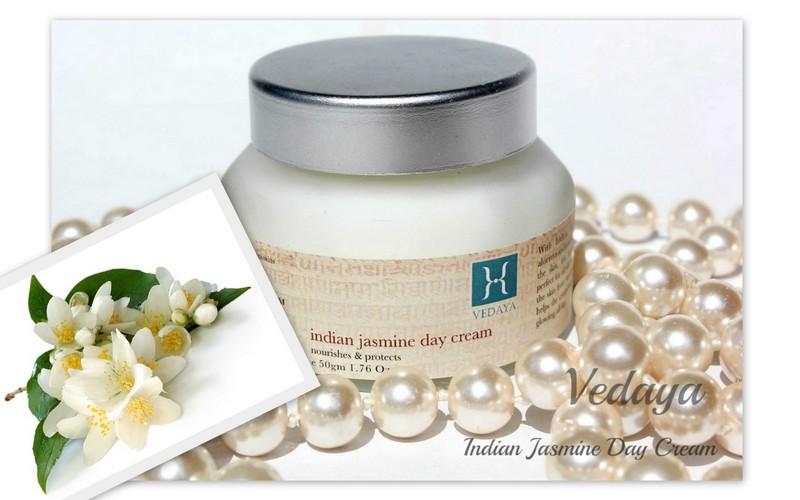 Отзыв: Красота по-индийски. Дневной крем Индийский жасмин - Vedaya Indian Jasmine Day Cream.