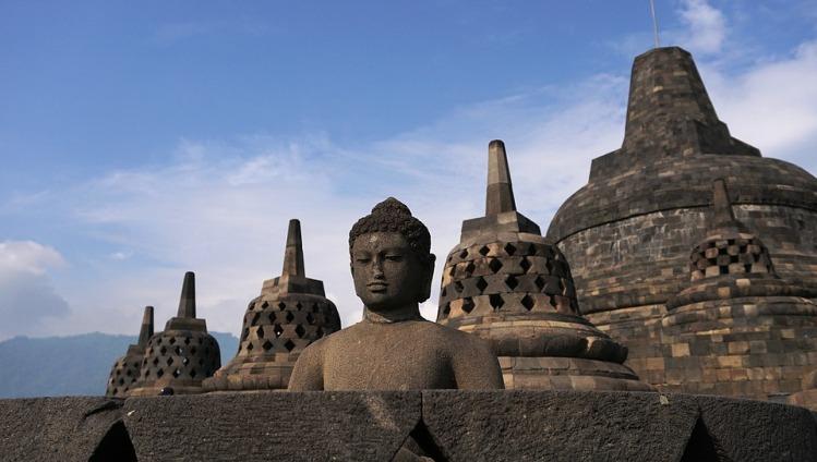 Candi Borobudur Peninggalan Kerajaan Dinasti Syailendra Menurut Catatan Sejarah