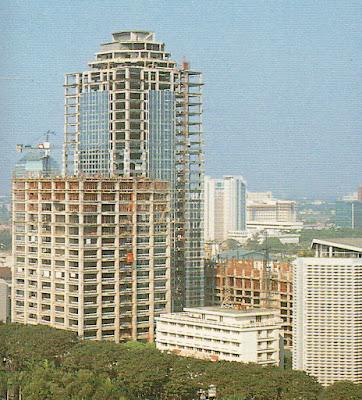 Menara Mandiri saat pembangunan, 1994-an