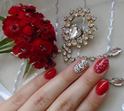 http://martuuszakatek.blogspot.com/2016/06/black-red-white-nails-pazurki-z-trojka.html