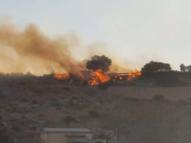Incendio dentro la riserva Naturale di Torre Salsa