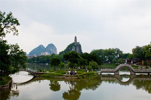 สวนชวนซาน (Chuanshan Park: 穿山公园) @ www.chinadragontours.com