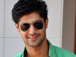 Tanuj Virwani Family Wife Son Daughter Father Mother Age Height Biography Profile Wedding Photos