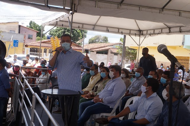 Governador Rui Costa anuncia diversas obras no município de Entre Rios