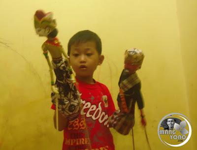Anak suka wayang golek