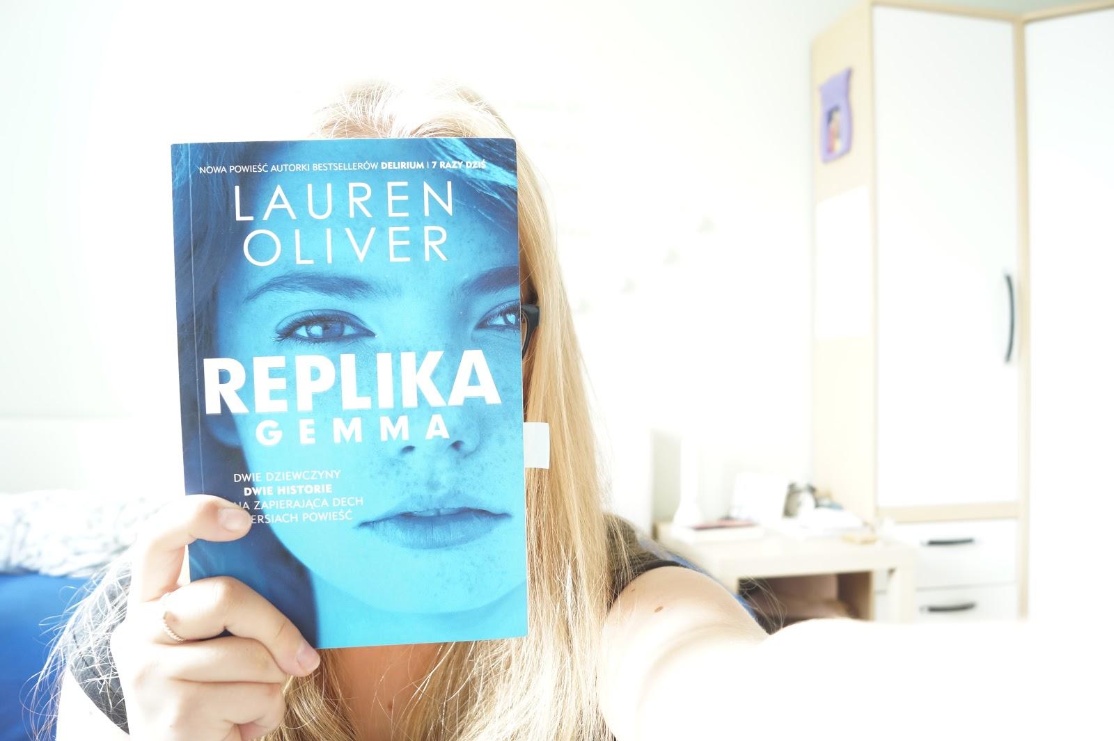 """Lauren Oliver """"Replika"""" #23"""