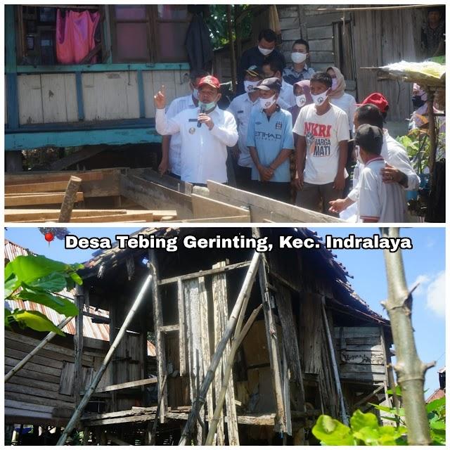 Bupati Sampaikan Bantuan Bedah Rumah Untuk Warga Kurang Mampu