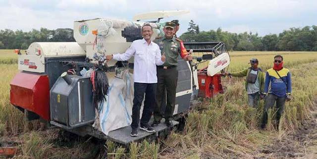 Mekanisasi Mesin Pertanian