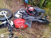 Motociclista pula da moto momentos antes de colisão com carreta na MA-122