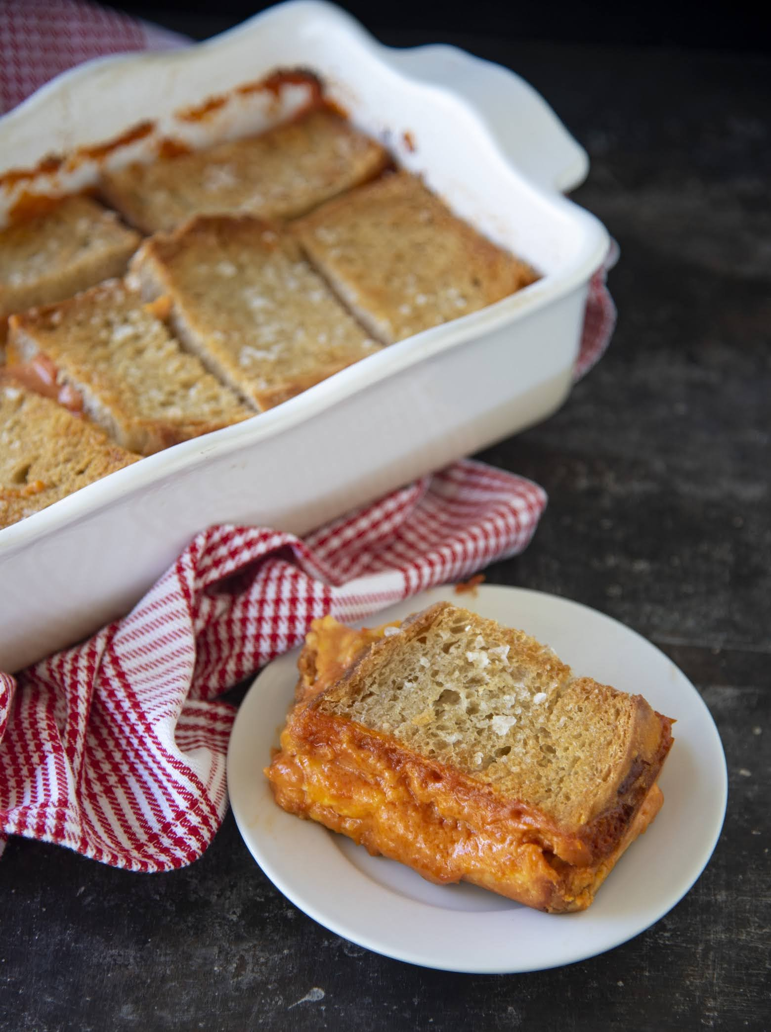 Grilled Cheese Tomato Soup Casserole | Sweet Recipeas