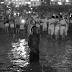 Foto de menino na virada do ano em Copacabana repercute nas redes sociais