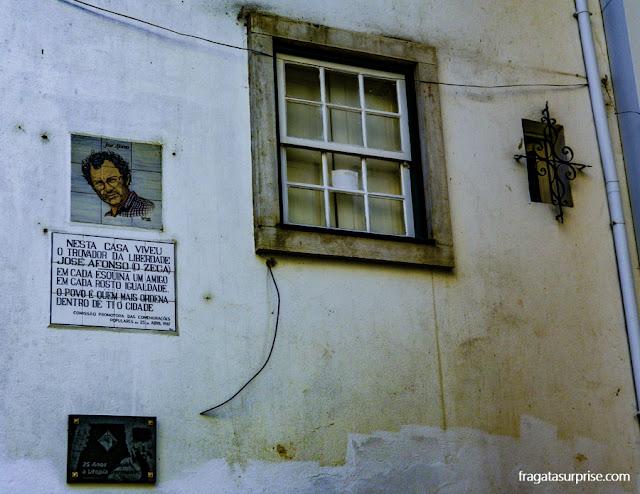 Coimbra - Casa de Zeca Afonso, autor de Grândola, Vila Morena, hino da Revolução dos Cravos