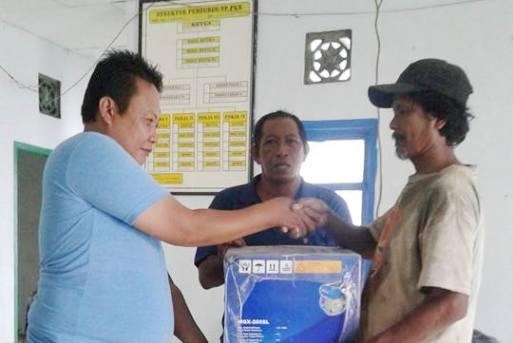 Puluhan Nelayan Desa Kembang Ragi, Terima Bantuan Mesin Katinting