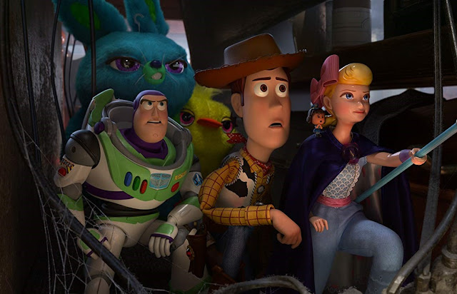 """Toy Story 4"" se mantém na liderança da bilheteria global"