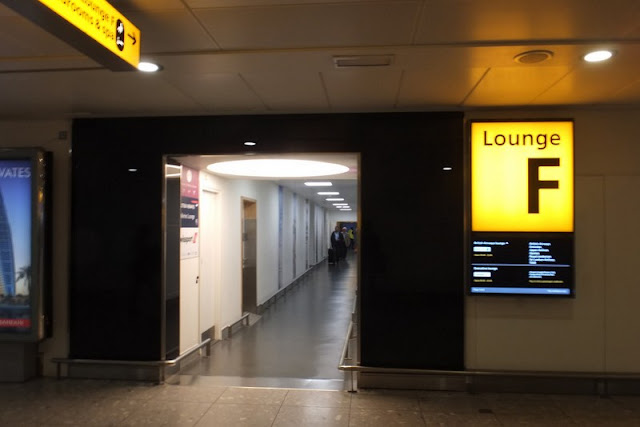 heathrow-lounge-f-sign