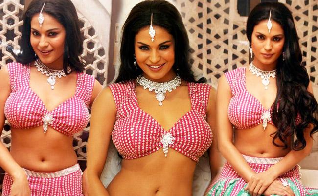 Photo Sexy Artist: Hot Pakistani Actress Veena Malik