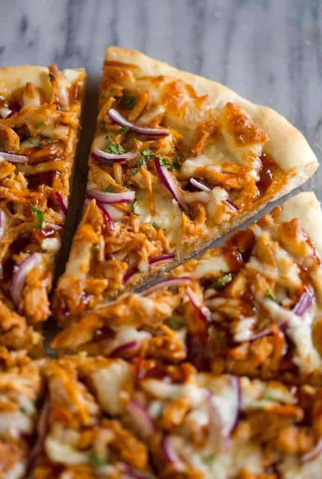 بيتزا الدجاج بصوص الباربكيو