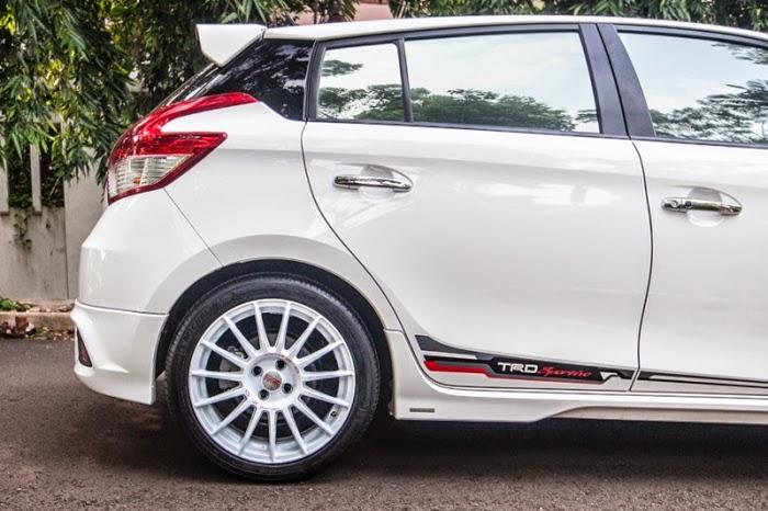 Modifikasi Ringan Mobil Toyota Yaris Velg Racing Terbaru 2014