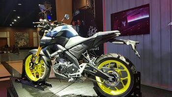 Yamaha MT-15 vs Honda CB150R ExMotion