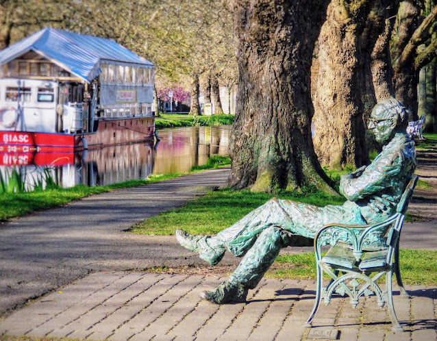 Free things to do in Dublin: Patrick Kavanagh Statue