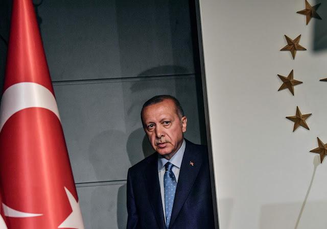 Η δίψα Ερντογάν για εξουσία βάζει την Τουρκία στη γωνία