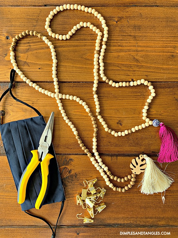 supplies needed to make a face mask neck chain