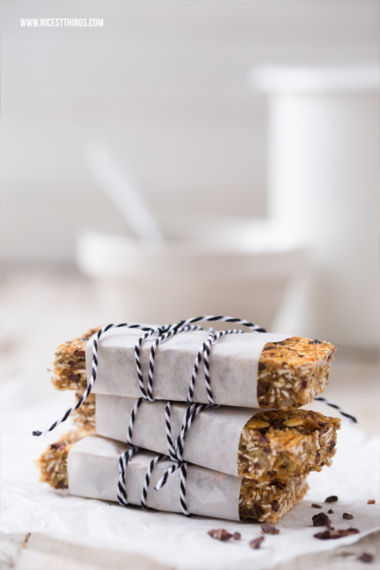 Homamade Granola Bars With Cocoa Nibs Recipe