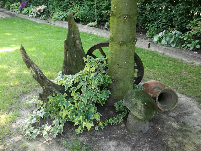 rustykalne ozdoby ogrodowe