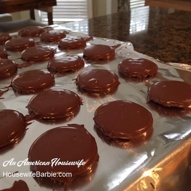 https://www.housewifebarbie.com/2017/12/24-christmas-cookie-recipes-plus-links.html