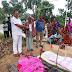 रतनपुर : मृत्यु उपरांत मुखिया ने परिजनों को दिया कबीर अंत्येष्टि राशि